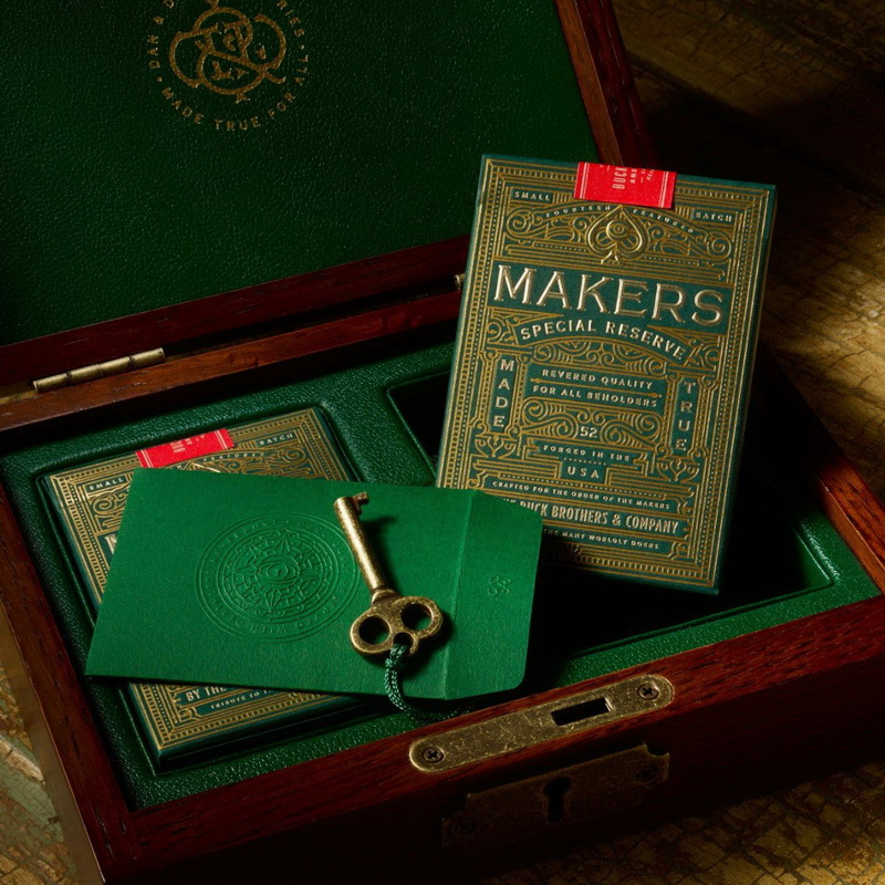 1 Deck D&D Makers Playing Cards Limited Edition (GREEN) Without Box By Dan And Dave Bucks Magic Tricks