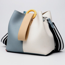 купить Genuine Leather Bucket Handbag Women Casual Panelled Crossbody Bag Soft Cow Leather Small Shoulder Messenger Bags по цене 3045.72 рублей