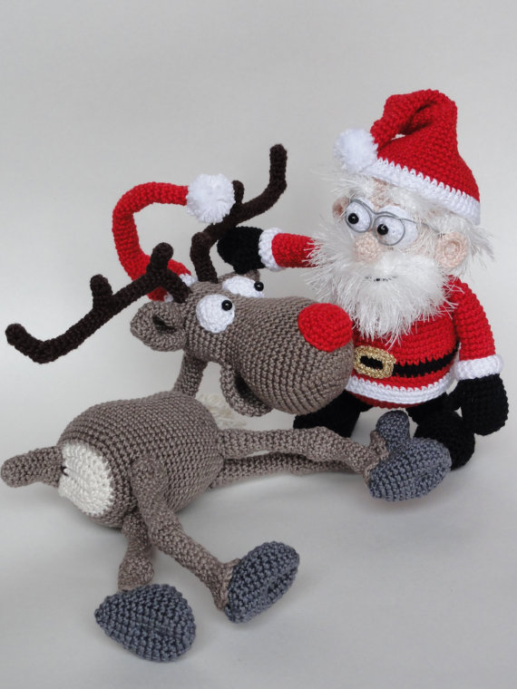 цена на Amigurumi Crochet Santa Claus and the Reindeer rattle
