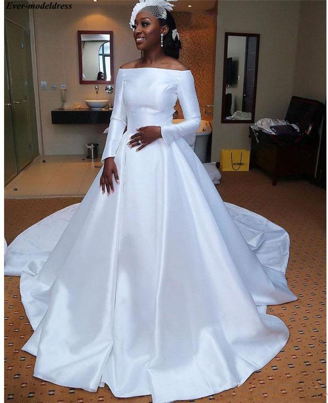 Off Shoulder Satin Wedding Dresses Long Sleeves 2019 Ball Gowns Button Back Simple Bridal Gowns Plus Size Vestido De Noiva