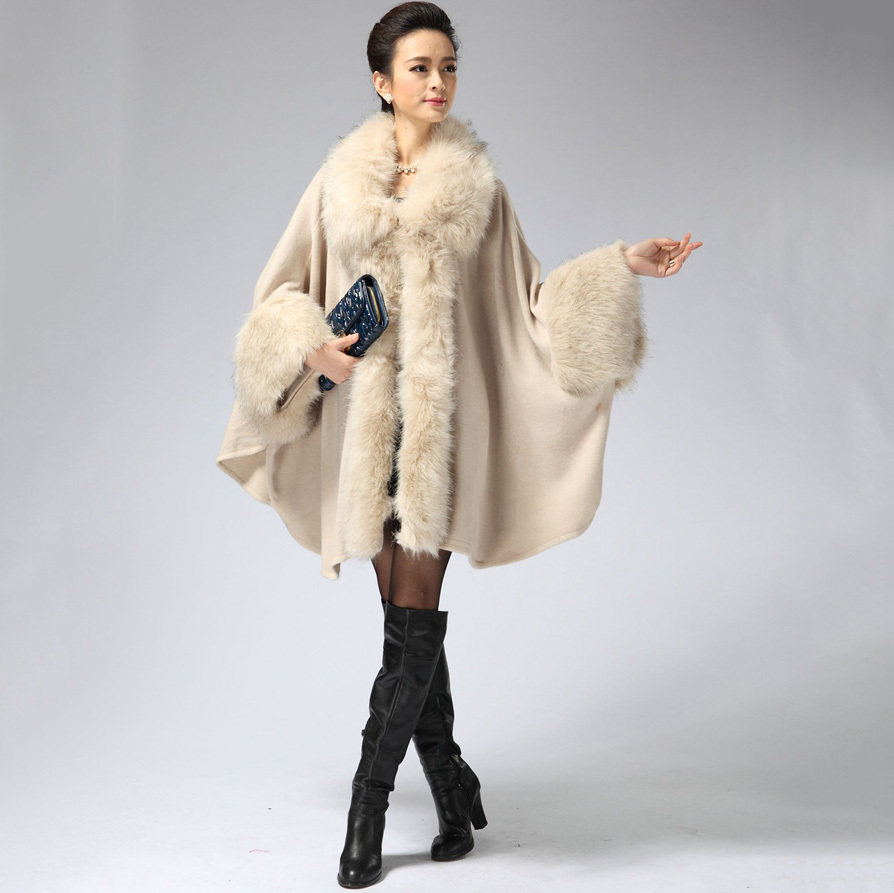 2018 European Russia style women large size cape ponchos with fur collar for female winter cashmere