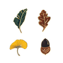 Sansummer Brooches New Style Leaf Temperament Emblem Needle Maple Ginkgo Small Brooch With Lovely Personality 5479