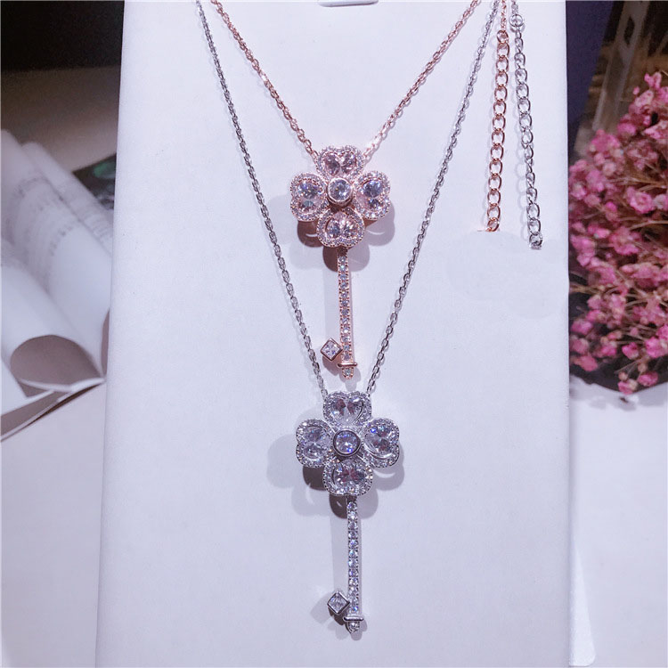 Simple s925 sterling silver revolving key necklace with tiny set zircon sweet temperament necklace pendant jewelry
