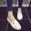 2016 del otoño del verano mocasines planos de los nuevos zapatos para mujer Resbalón En Holgazanes blanco Splice Plataforma zapatos causales muchachas de la manera del zapato de la escuela