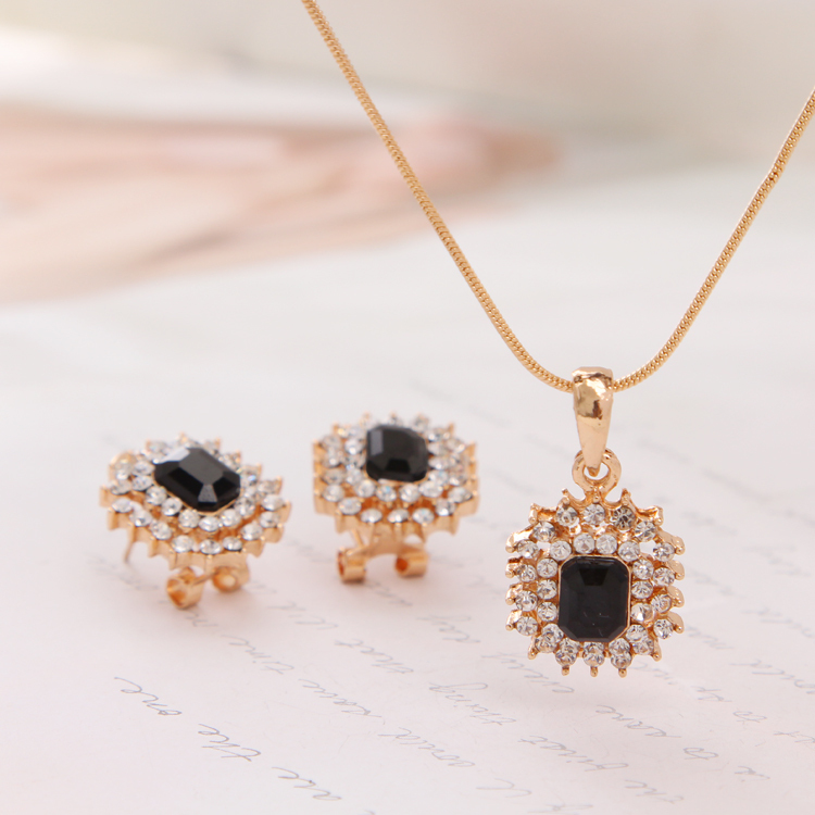 New Lovely Snowflake Full Rhinestone Shiny Jewelry Chain Necklace Stud  Earring Wholesale Jewelry Set For Women Low Price-in Jewelry Sets from  Jewelry ... 6cfadfec1dc1