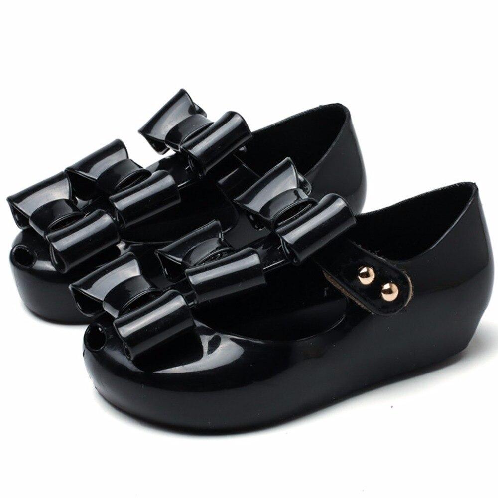 2018 mini niñas sandalias de cuero suave bowtie de PVC para bebés - Zapatos de niños