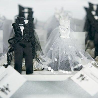 1c1748649 Aliexpress.com: Comprar 12 unids piezas de Organza con cordón de caramelo  bolsas de Favor smoking y vestido novia novio boda Favor bolsas de regalo  para ...