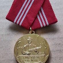Диаметр медали DDR для лояльной службы: 32 мм