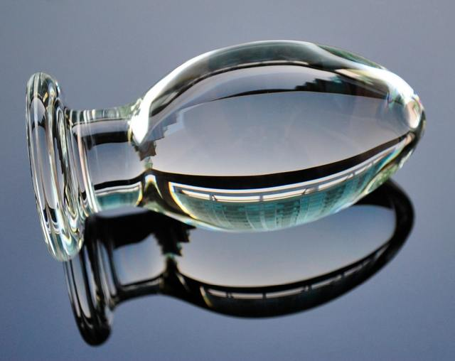 Glass butt plug 65mm