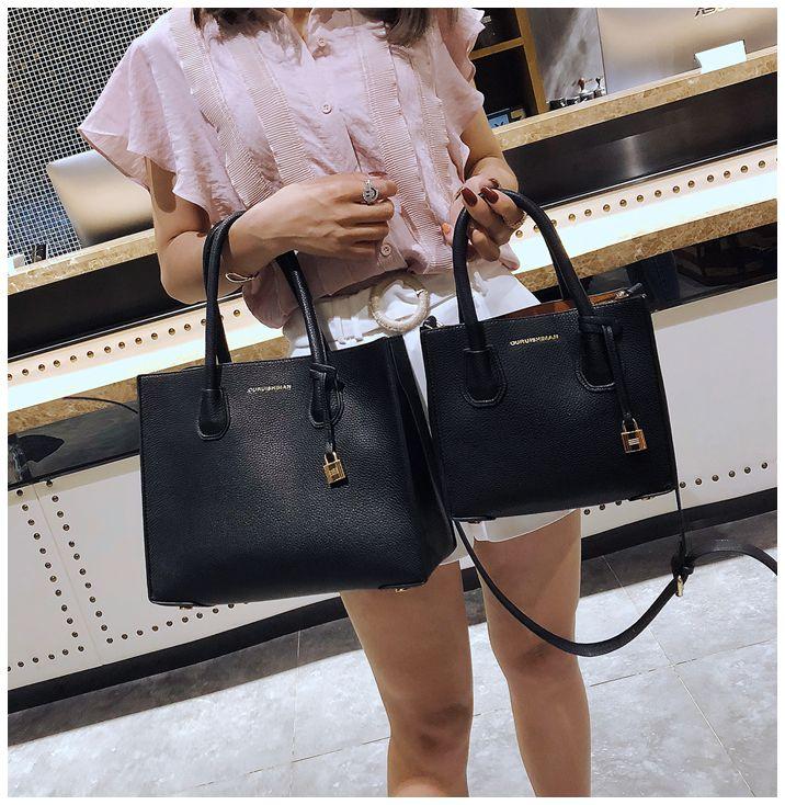 Famous Designer Brand Women Leather Handbags Large Capacity Shopper Bag High Quality 2018 New Lock Black Casual Tote Bag Soft