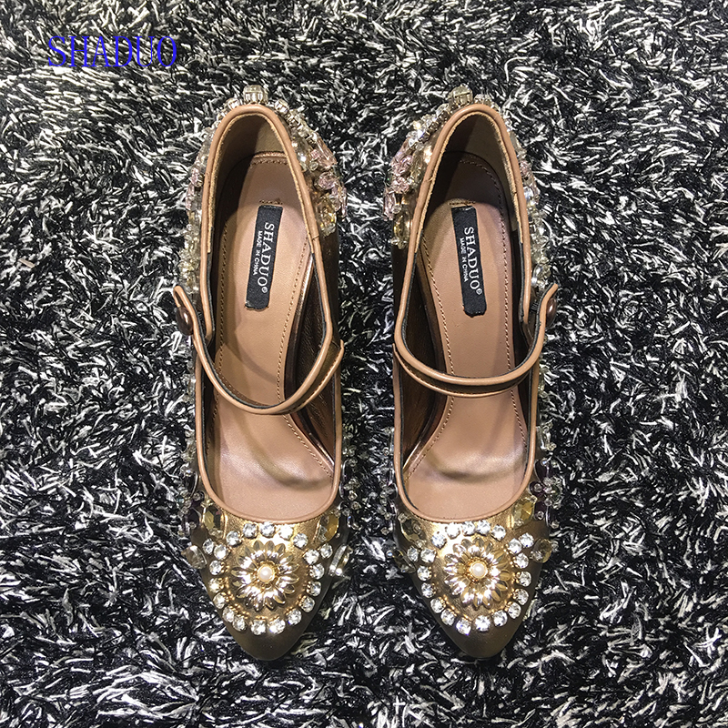 2018 top quality Genuine leather Vintage Lolita Golden Hand Embroidered Rhinestone High Heel Wedding Shoes-in Women's Pumps from Shoes    1