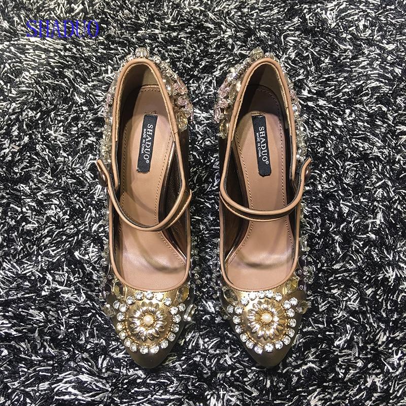 2018 أعلى جودة جلد طبيعي خمر لوليتا الذهبي اليد المطرزة حجر الراين عالية الكعب أحذية الزفاف-في أحذية نسائية من أحذية على  مجموعة 1