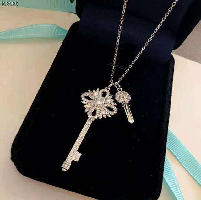 Fashion Statement Necklaces For Women 2018 New Tiff Jewelry 925 Silver Zircon Rhinestone Key Charms Pendants Necklace Silver