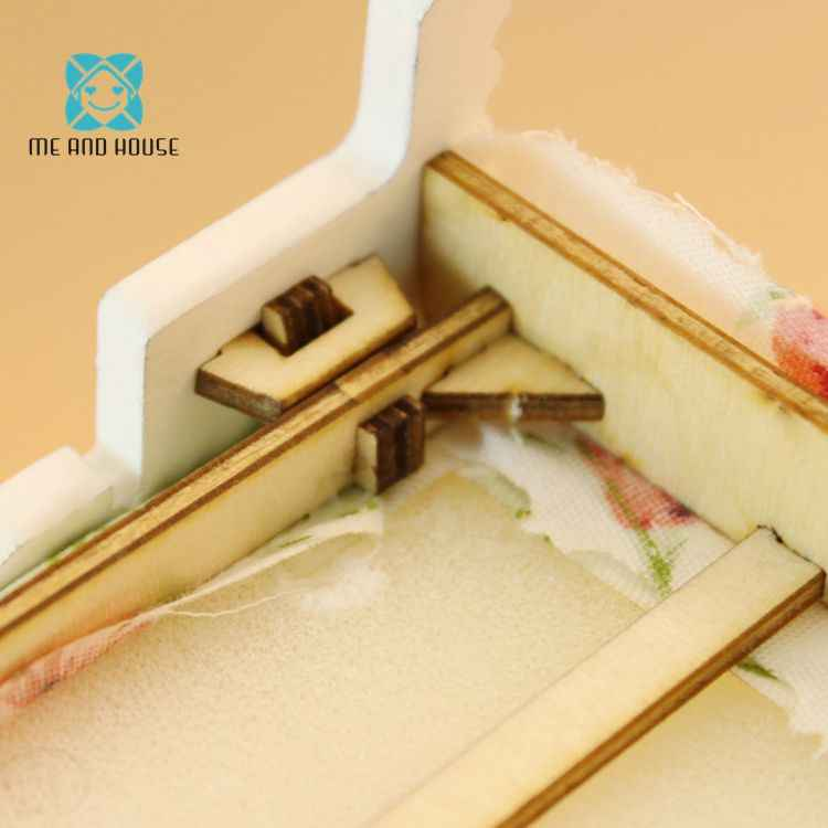 Dollhouse DIY Wooden Bed  Pink Mini Children's Toy Decoration Miniature Double Bed Furniture For Doll House 1/12 Scale