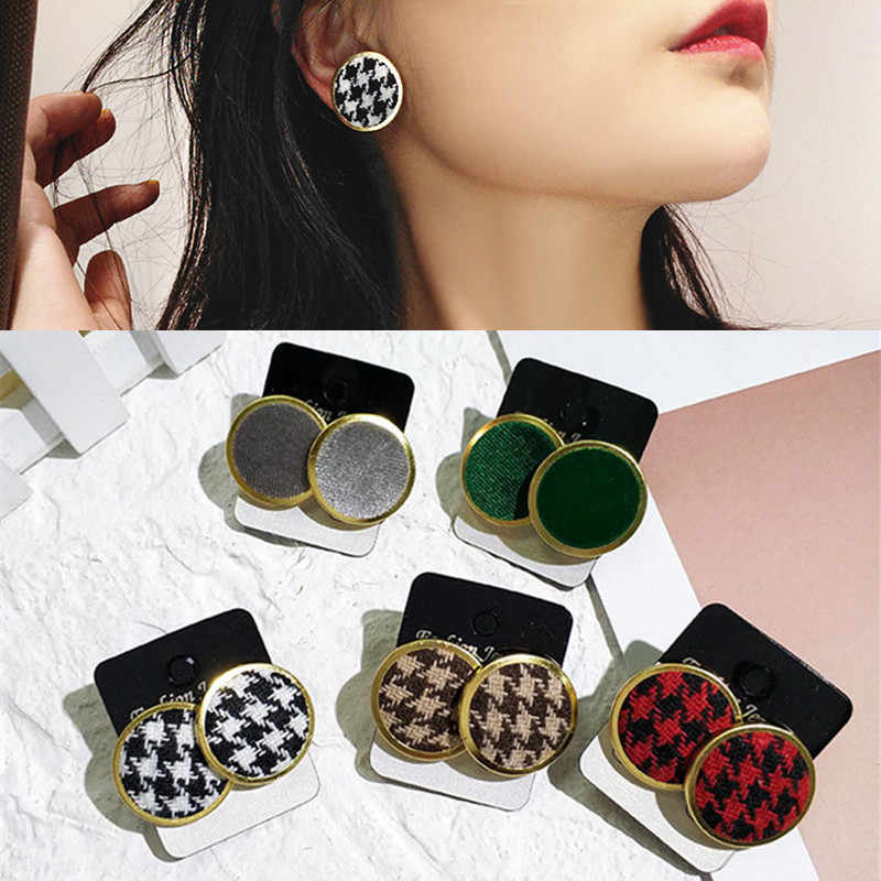 Autumn and Winter New Vintage Velvet Stud Earrings Houndstooth Round Button Plaid Earrings for Women Bijoux Fashion Jewelry Gift