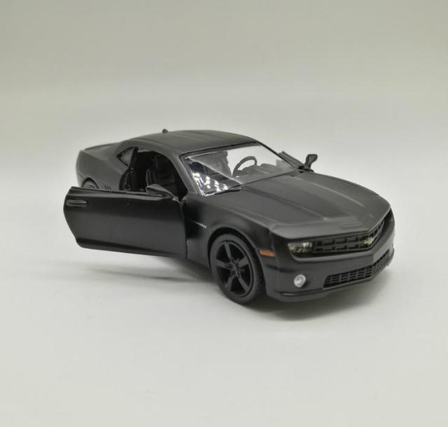High Simulation Chevrolet Camaro Super Car, 1: 36 Scale Alloy Pull Back Car  Model