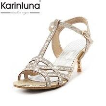 KARINLUNA 2017 el Tamaño Grande 32-45 t-strap Zapatos Latinos de Las Mujeres Bling de La Manera Superior Elegante Med zapatos de Tacón de La Boda sandalias de Dama de Oro Plata