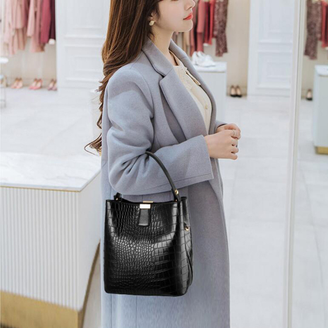 Women Crocodile Pattern Handbag