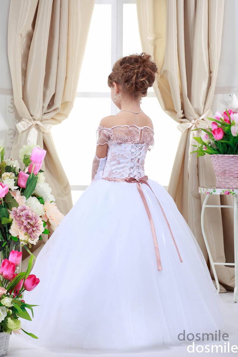 Off The Shoulder Lace Up Blush Pink Lace Appliques With Flowers