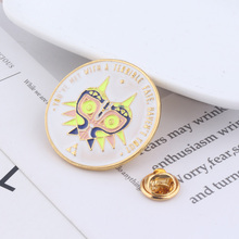 Game The Legend of Zelda Broochs Bule Enamel pins lapelTriangle badge For Man Woman cosplay jewelry Gift give to boy все цены