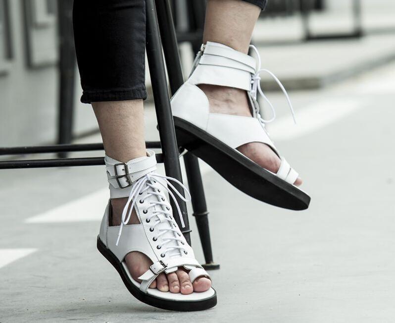 Branco preto flip flops tornozelo gladiadores apartamentos fivela de couro genuíno rendas até roma estilo punk verão sandálias ao ar livre sapatos casuais - 3