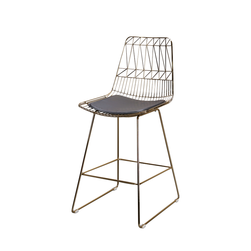 Nordic minimalist wrought iron armchair modern bar wire bar high chair creative metal mesh hollow plating high bar chair american wrought iron rotating bar chair retro bar chair high back of a chair at the front desk chair