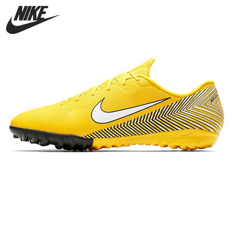 Original New Arrival 2018 NIKE VAPOR 12 ACADEMY NJR TF Men's Football Shoes Soccer Sneakers спортинвентарь nike чехол для iphone 6 на руку nike vapor flash arm band 2 0 n rn 50 078 os
