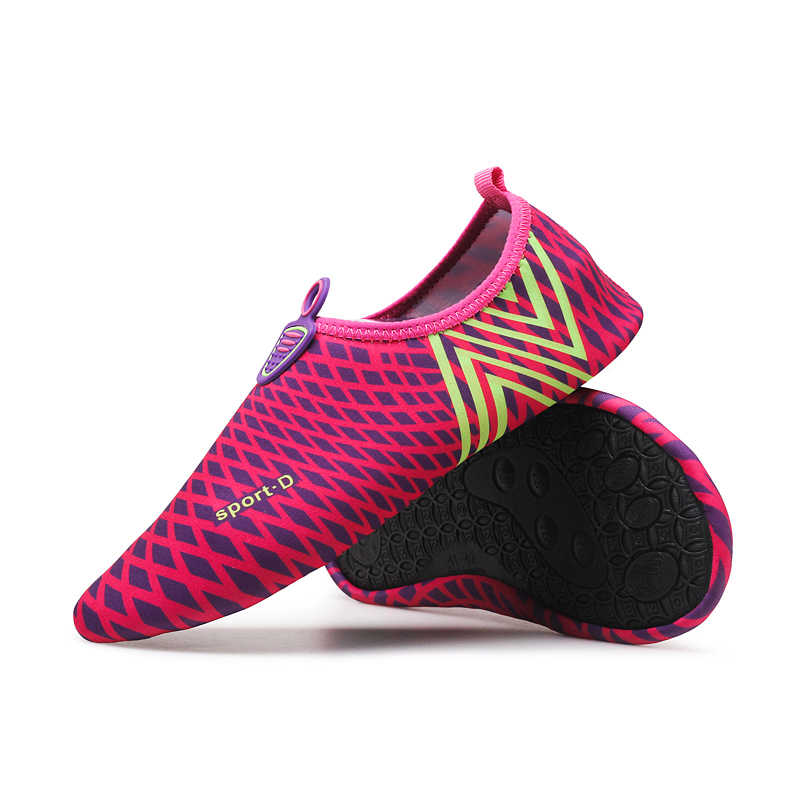 Summer Men Women Beach Shoes Outdoor Swimming Water Shoes Unisex Soft Seaside Wading Shoes Zapatos Diving Scuba Snorkeling Socks