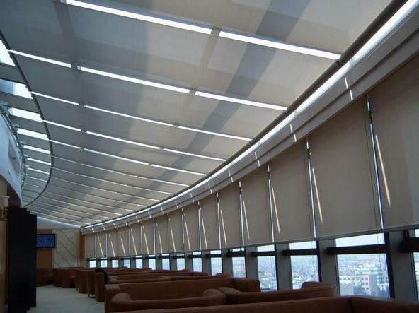 Doorschijnend zon scherm rolgordijnen in grijs polyester