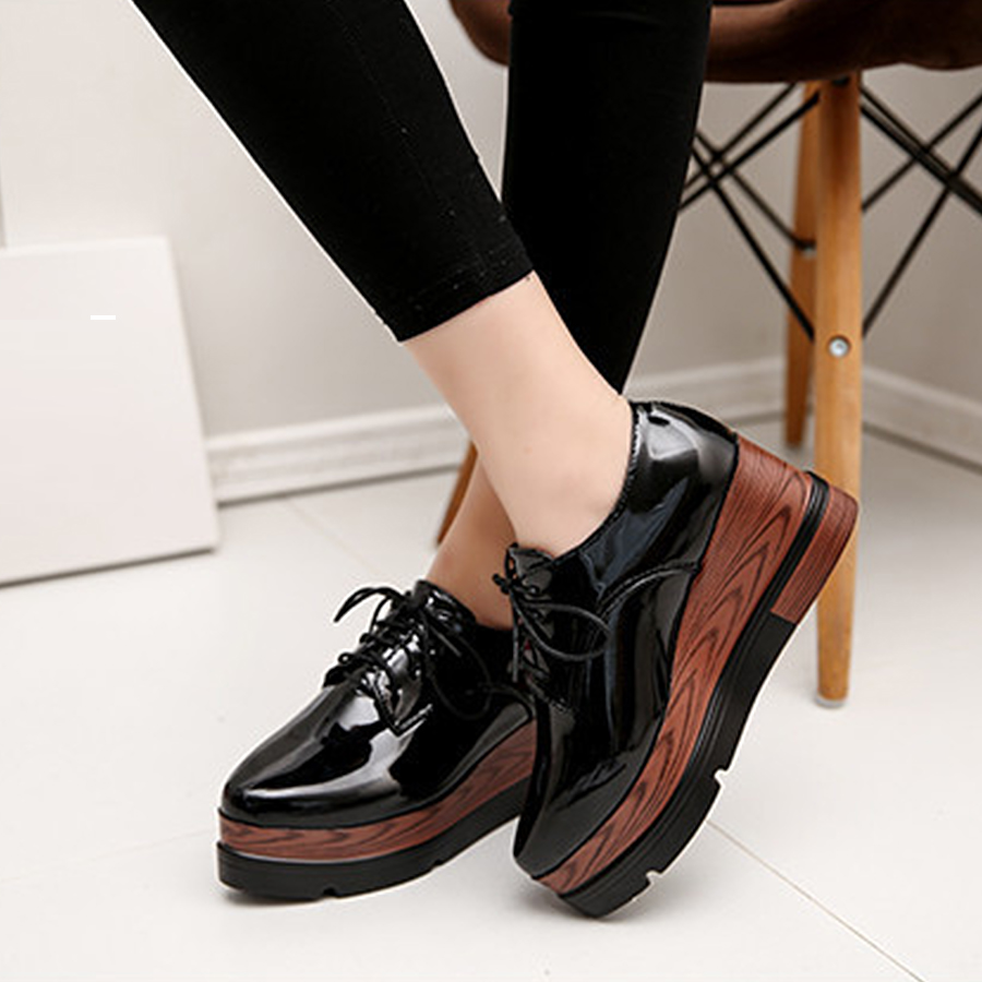 2017 Women Faux Wood Texture Platform Shoes Patent Leather Flats Lace Up  Brogue Shoes Creepers Female Flat Oxford Shoes Woman n11 brand 2017 spring women platform shoes woman brogue patent leather flats lace up footwear female flat oxford shoes for women