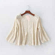 curto top bordados cardigan