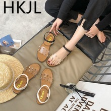 HKJL 2019 summer new low heel rivet sandals cool female students sweet toe fashion beach shoes womens simple A188