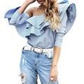Mulheres Tops E Blusas Nova Moda de Um ombro ruffles blusa camisa das mulheres tops de alta qualidade blusa de algodão da listra azul de primavera