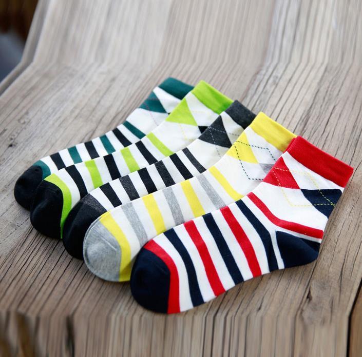 Men's socks British Style Rhombus Pattern Stripe Splice Colorful Brand Elite Long Cotton Socks Casual  Men Wholesale Socks