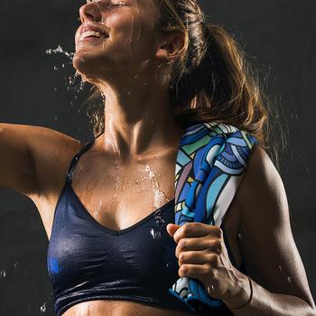 Z mikrofibry Quick-Dry sportowe ręczniki trwałe błyskawiczne chłód szybkiego chłodzenia Ice Face ręcznik na zewnątrz Fitness joga akcesoria łazienkowe tanie i dobre opinie Zwykły Stałe Tkanina z mikrofibry Towel Sprężone Włókniny ROLL Gładkie barwione 5 s-10 s face sport towel multi color