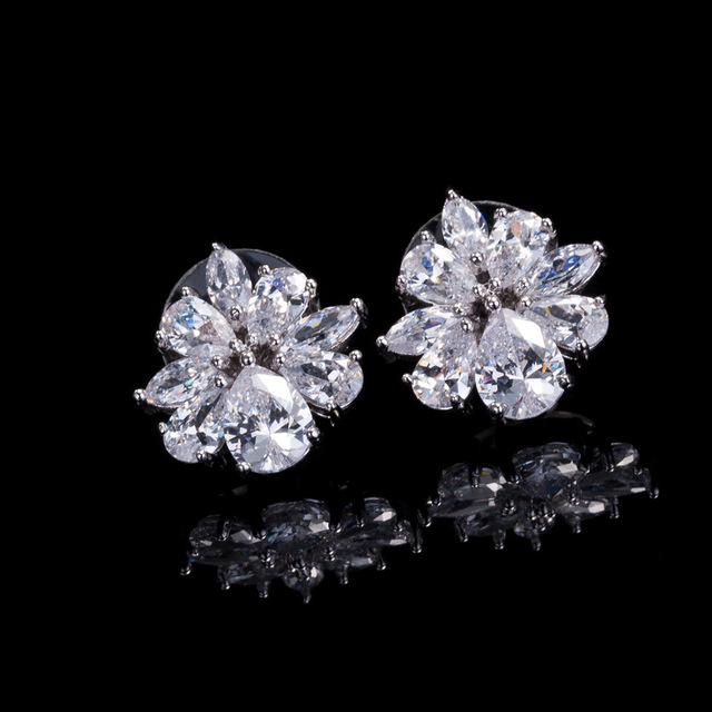 Shiny Crystal Aaa Silver Color Stud Earrings Imitation White Ice Flower Zircon Silverearring Wedding Earring Wonderful