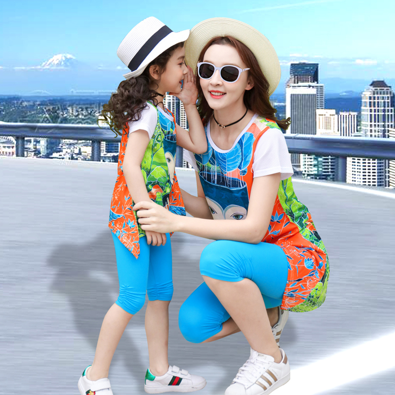 Mother Daughter Set Summer Family Clothing Mom and Me Cartoon Family Matching Outfits for girls and Women Blue clorlor beath in Matching Family Outfits from Mother Kids