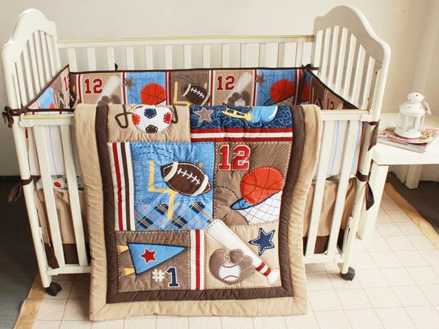 Promoción! 7 unids bordado algodón ropa de cama cuna lecho del bebé recién nacido conjunto de dibujos animados ( parachoques + funda de edredón + cubierta de cama falda de la cama )