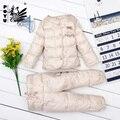Детские snowsuit новый белая утка вниз проложенный новорожденных девочек снег износ вышивка тепловые малыша зима устанавливает куртка + брюки