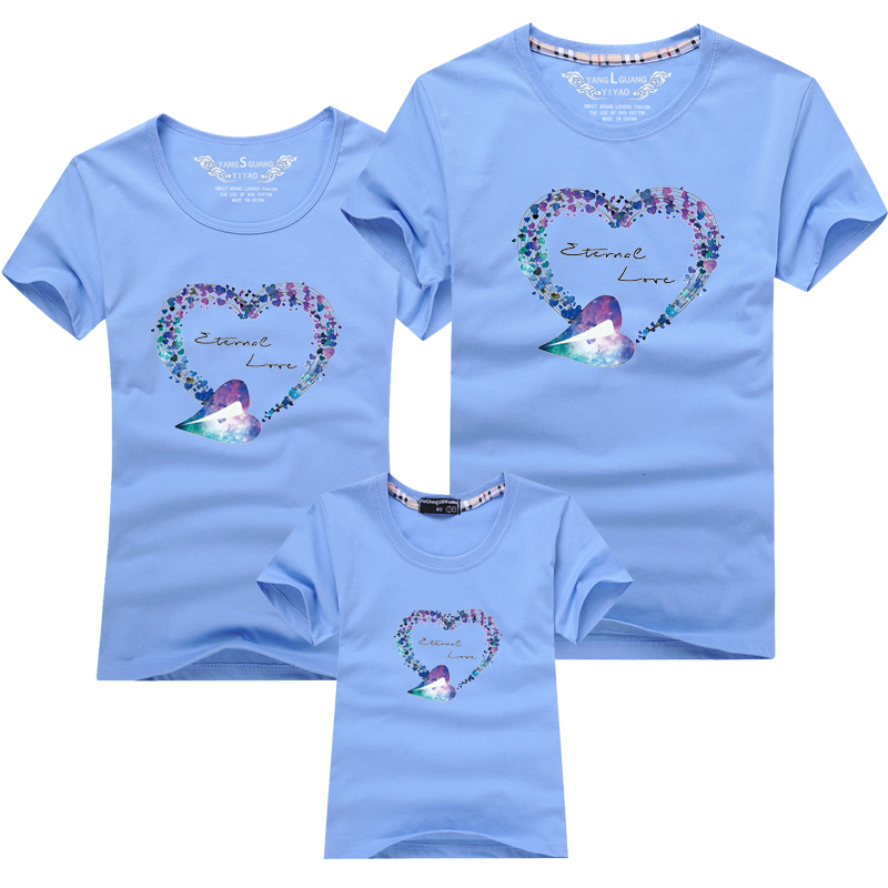HTB1OgBZPFXXXXX2XXXXq6xXFXXXG - Mommy and Me Clothes Family Look Summer LOVE Ggarland Pattern Family T Shirt Father and Son Clothes Family Matching Outfits