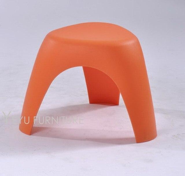 54 07 Design Moderne Minimaliste Tabouret Bas En Plastique Maison Moderne Belle Conception Chaussures Tabouret Changeant Colore Empilable Stool 1pc