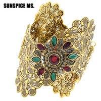 Groothandel Indian Vrouwen Plus Size Armlets Bangle Hollow Bloem Brede Metalen Armbanden Manchet Antiek Goud Kleur Hars Bruiloft Jewerly