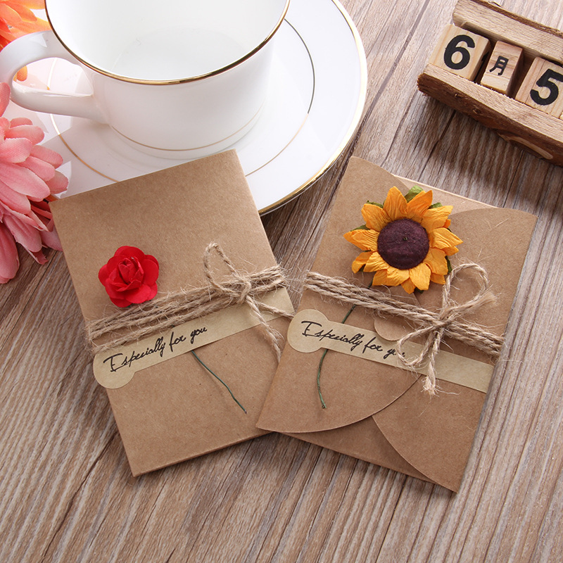 5pcs/Lot Vintage Kraft Paper Invitation Greeting Card Envelope Wedding Party Postcards With Handmade Dry Flowers