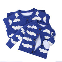 New Family Matching Clothes 2017 Winter Family Look Long Sleeve Cloud Cardigan Sweater Family Father Son