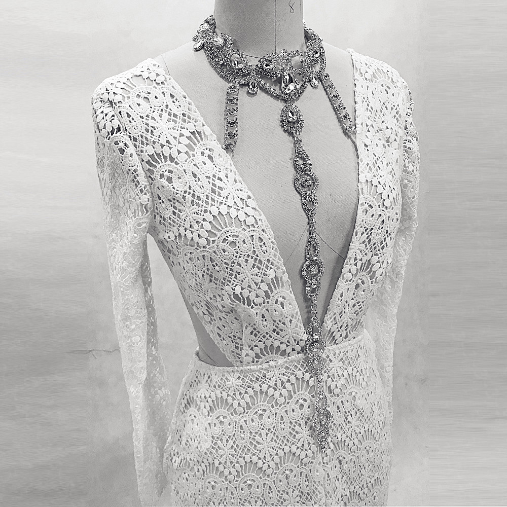 RSE851 Crystal Straps Halter Neckline Long Sleeves Mermaid Open Leg See Through Lace Robe Soiree Sexy