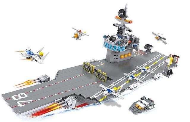 Enlighten Military Building Block 8in1 Nuclear Powered Aircraft Carrier 643pcs Without Original Box