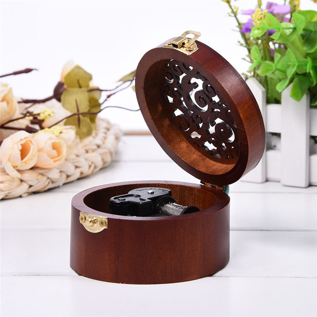 Round Wood Case Music Box Simple Vintage Design Wooden Clockwork Kid New Year Gift