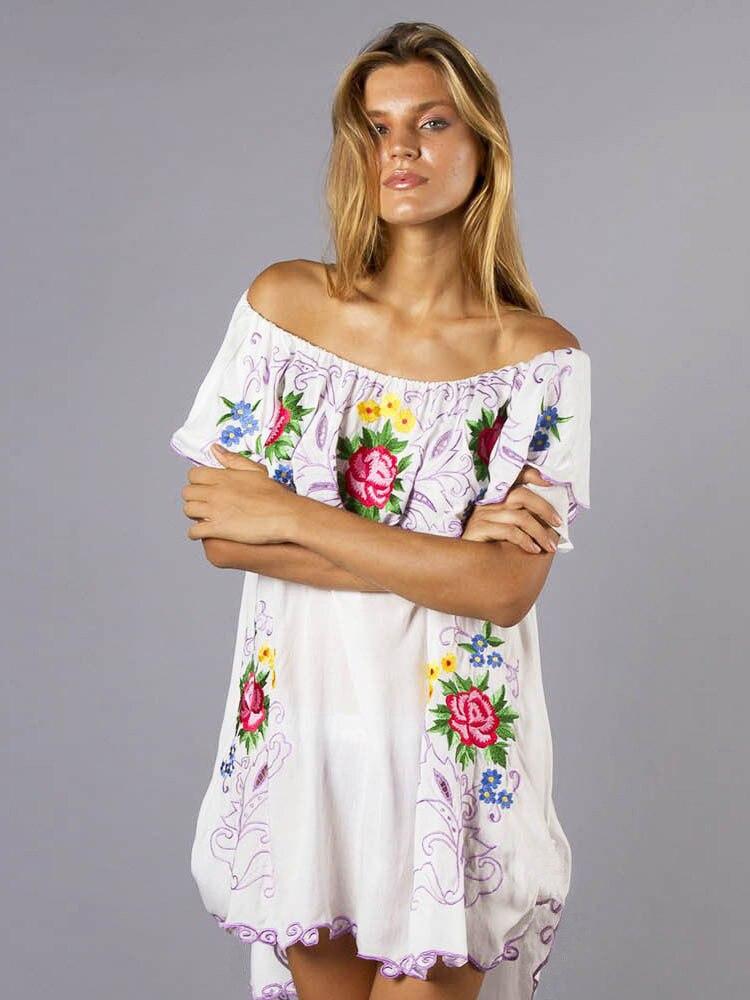 Nouveau fonds de voyage d'été perturbation éthique ximiya broder robe de plage montre un mot d'épaule pour obtenir mini robe