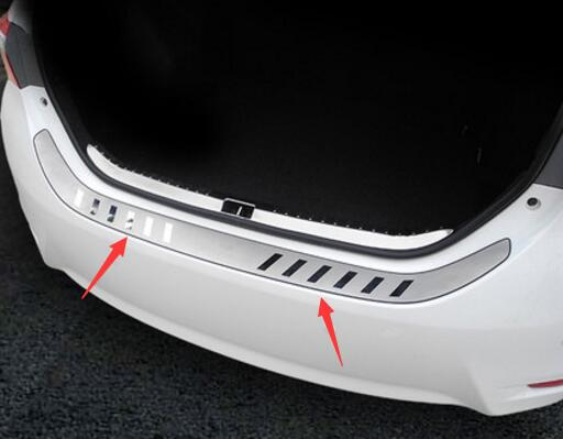 Stainless steel Rearguards Rear bumper Trunk Trim Bumper Pedal Fit For Toyota Corolla 2014 2015 2016
