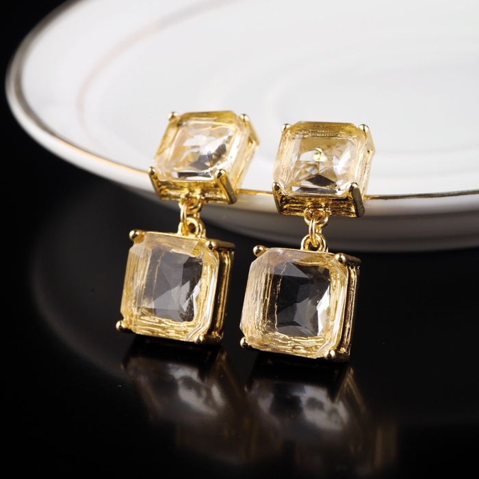 Factory Wholesale Jewelry for Women Fashion Clear Big Crystal Earrings Drops Short Square Pendant Geometric Earring